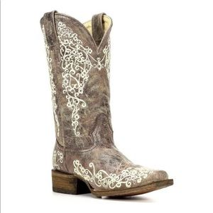 Ladies 6.5 corral cowboy boots